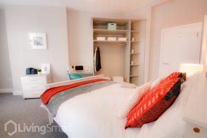 hmo double bedroom built in wardrobe